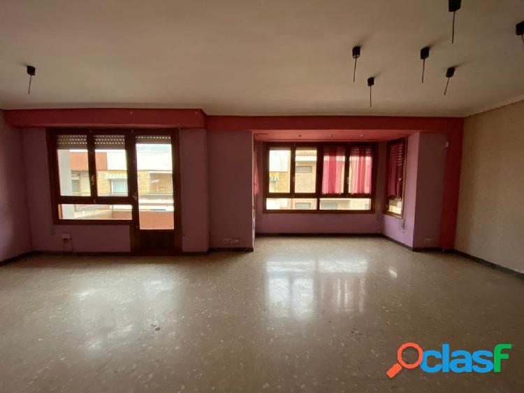 Gran piso a la venta en zona San Jose, Ontinyent.