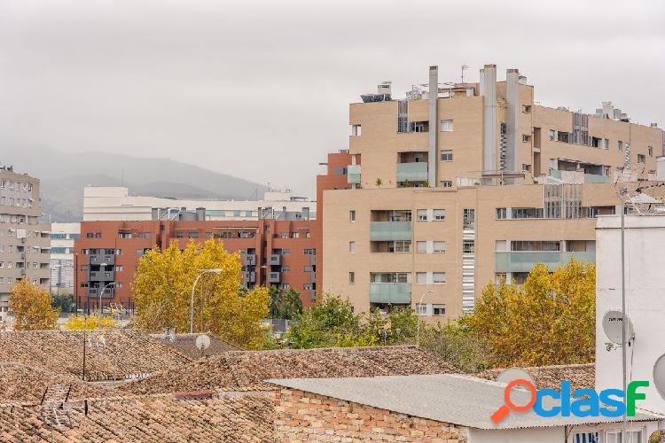 Junto PTS y Campus de la Salud - Ref: 15043-G
