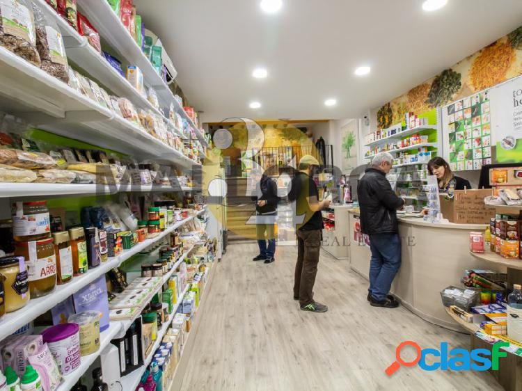 Local comercial en TRASPASO de dos alturas en calle