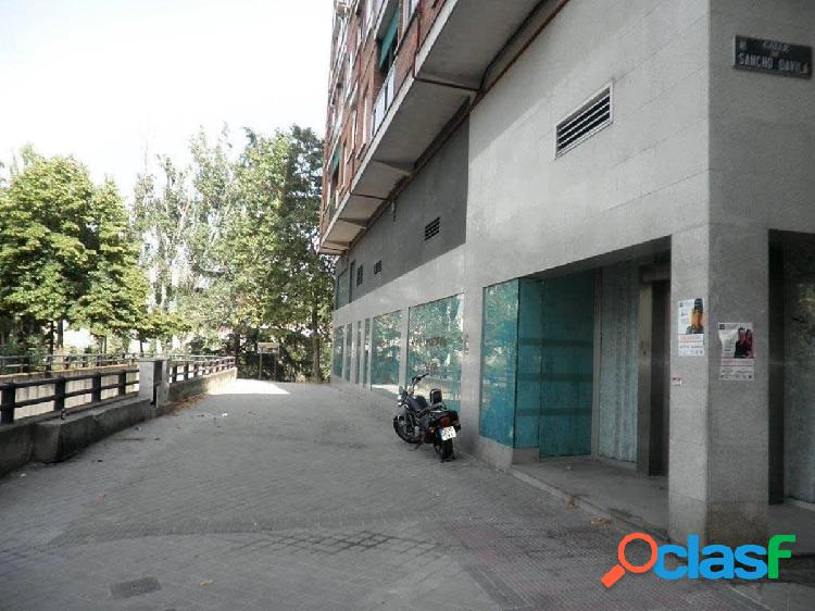 Local comercial en venta en zona Ventas, Madrid