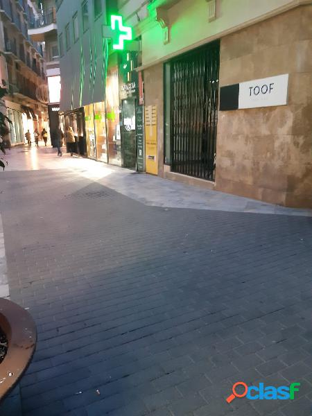Local comercial situado en zona muy céntrica.