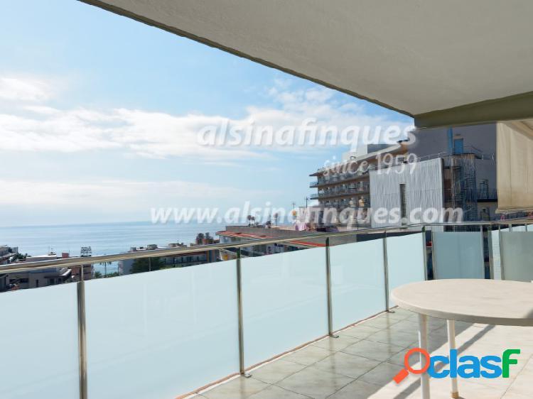 Magnifico apartamento con gran terraza y vistas al mar
