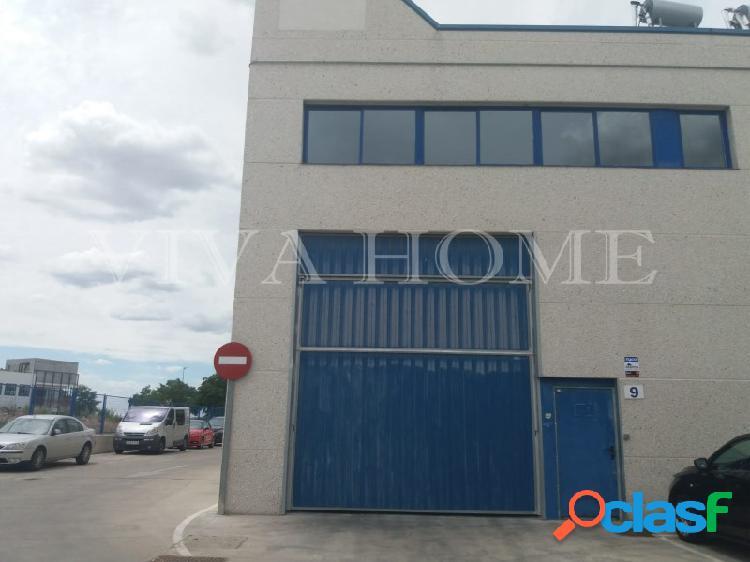 Nave industrial de 204 m2 en Rivas Vaciamadrid calle Severo