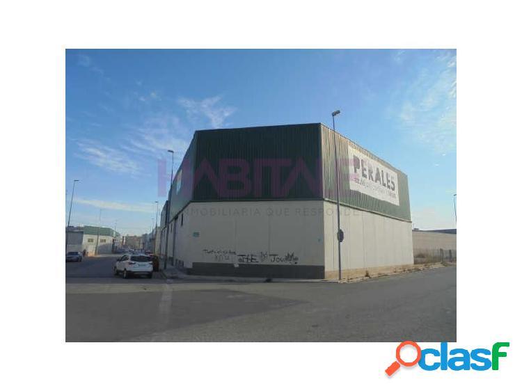Nave industrial en venta en L'Alcúdia