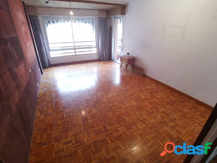 Oportunidad de inversión, piso céntrico de 4 dormitorios