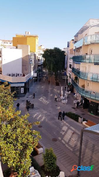 PISO DE TRES DORMITORIOS EN EL CENTRO DE TORREMOLINOS