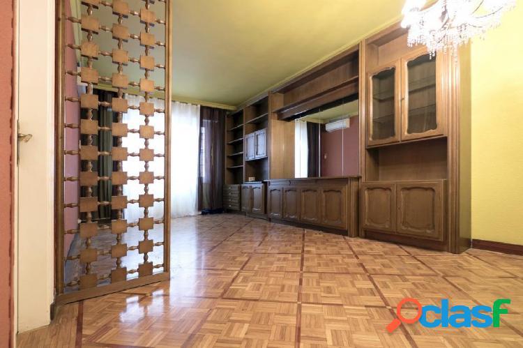 Piso de 3 habitaciones junto a Hospital de Sant Pau.
