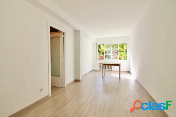 Piso en venta de 54m2 útiles con 3 habitaciones en
