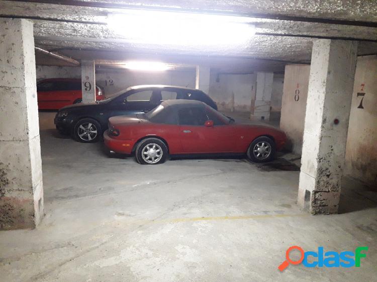Plaza de aparcamiento en el centro de Calafell Playa