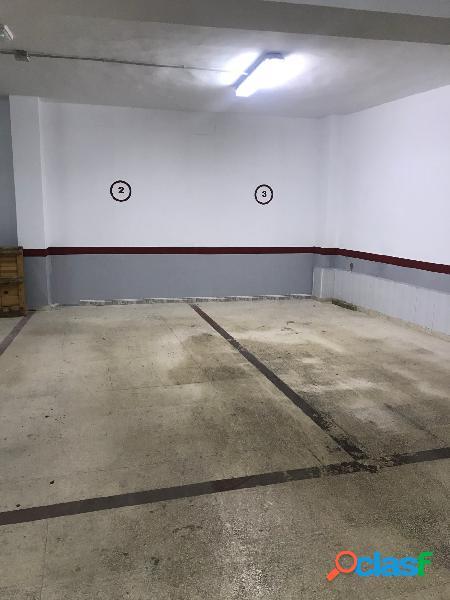 Plaza de garaje en alquiler en el centro.