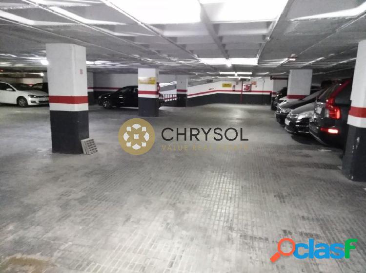 Plaza de parking en venta en L'Eixample derecho