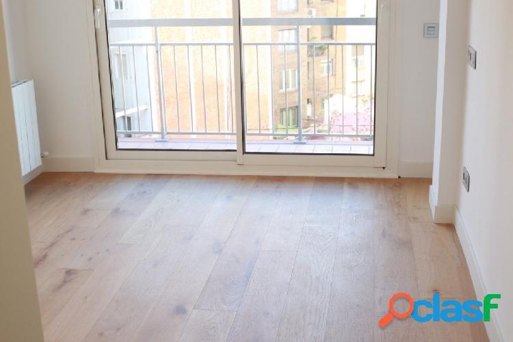 Precioso piso exterior, reformado y amueblado. Córcega/Av.