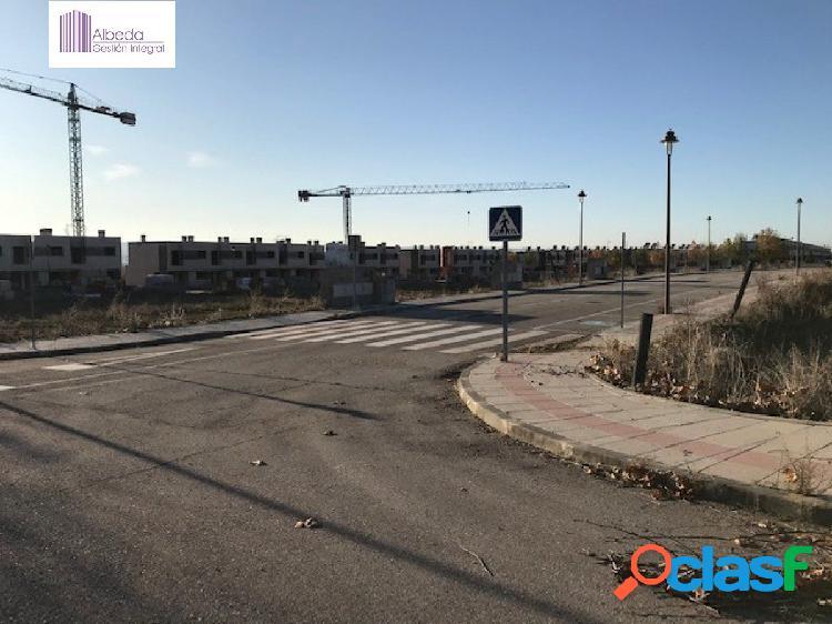 SE VENDE PARCELA 4.586M2 PARA LA CONSTRUCCIÓN DE CHALETS