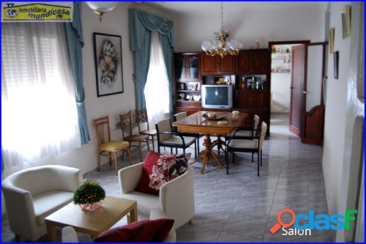 Se vende casa en Cobatillas