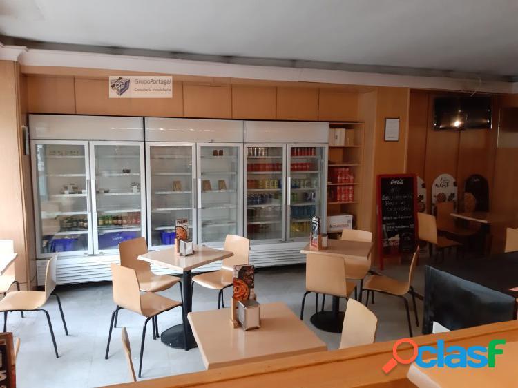 Traspaso Cafetería 120m² con terraza, en zona Tetuán