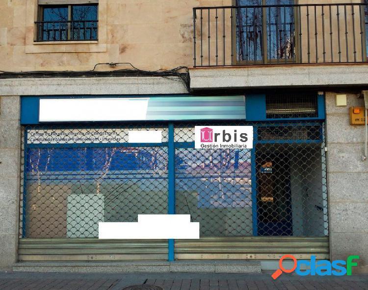 Urbis te ofrece un estupendo local comercial en zona