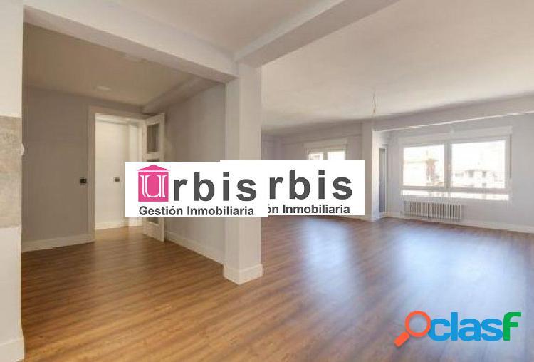 Urbis te ofrece un estupendo piso en zona Salesas,