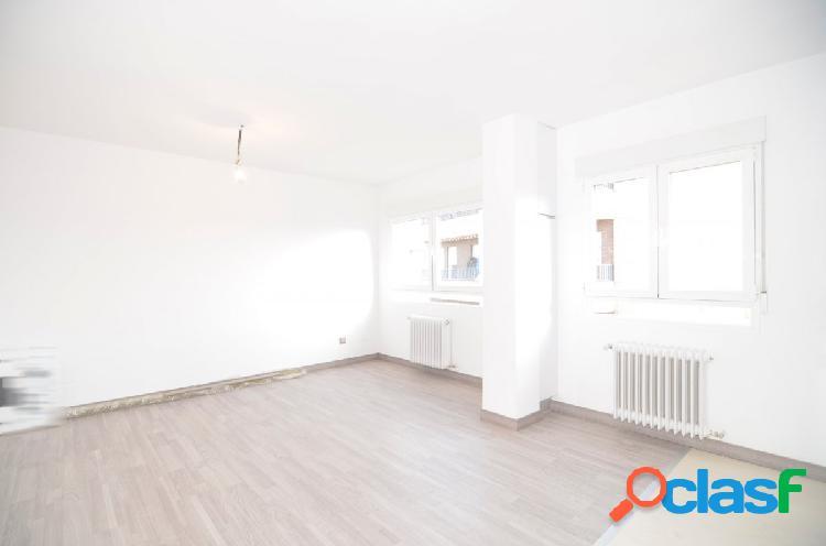 Urbis te ofrece un lujoso y reformado piso en zona Garrido