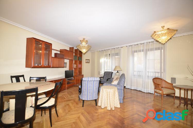 Urbis te ofrece un maravilloso, amplio y céntrico piso en
