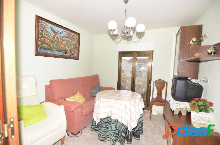 Urbis te ofrece un piso reformado en La Vega, Salamanca.