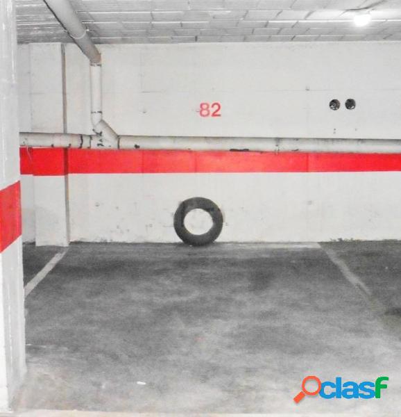 Urbis te ofrece una amplia plaza de garaje en zona