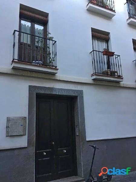 Venta de piso en Granada con licencia de alquiler turístico