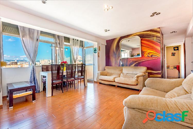 Venta piso con terraza y vistas al mar en el Molinar, Palma