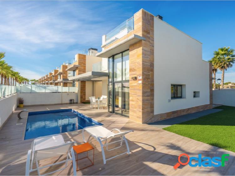 Villa de obra nueva en Lomas de Cabo Roig