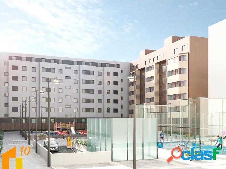 Ático de tres dormitorios en avd.Castilla y Leon