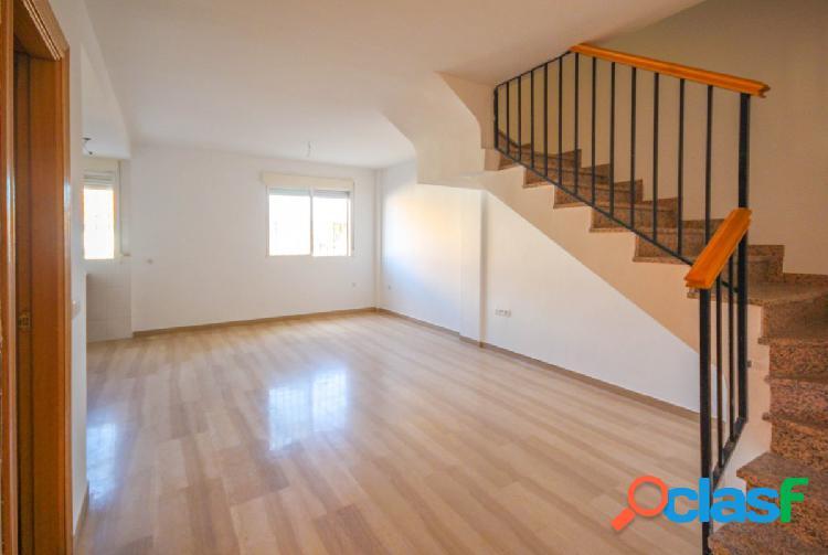 Bonito piso, tipo dúplex, situado en la calle Enrique