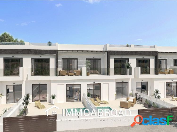 Casa en venta en San Pedro del Pinatar con 3 dormitorios y 3