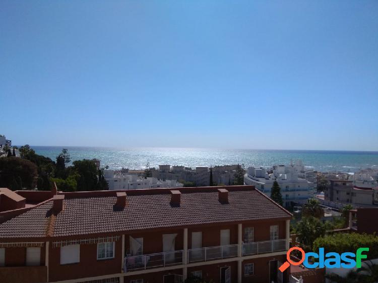 Fantástica vivienda con vistas al mar, en Montemar, por