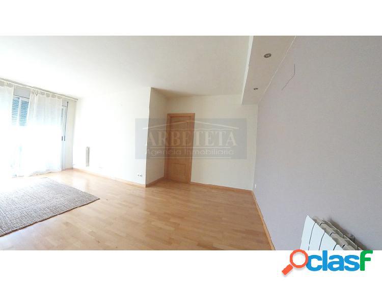 Fantástico piso de 4 habitaciones en venta en