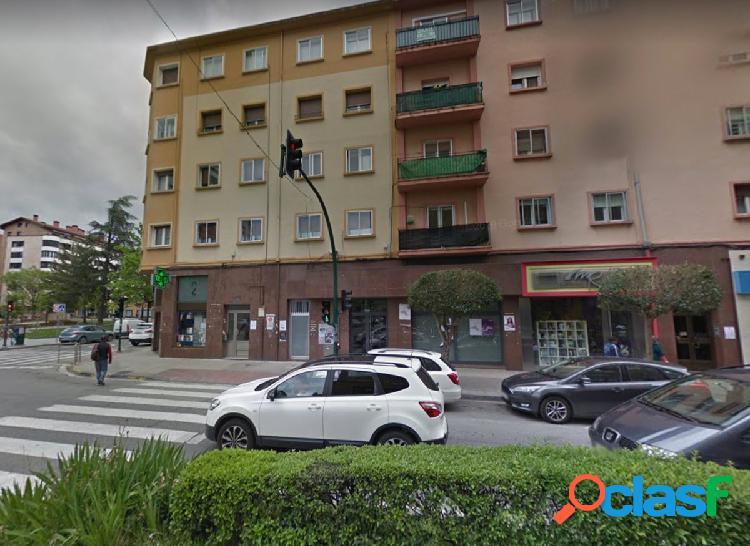 Local comercial en el centro de Burlada