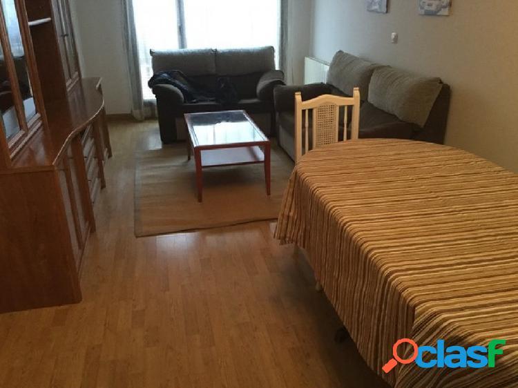 Se alquila bonito piso en la zona de Castilla-Hermida
