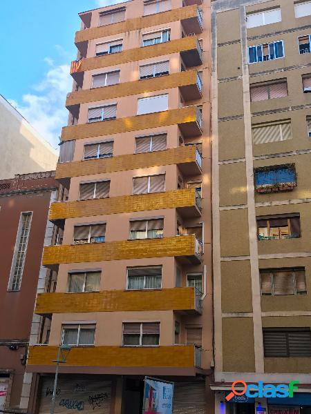 Alquiler sin muebles en Av. Catalunya
