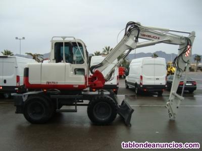 Excavadora giratoria de ruedas takeuchi tb175 w matriculada.