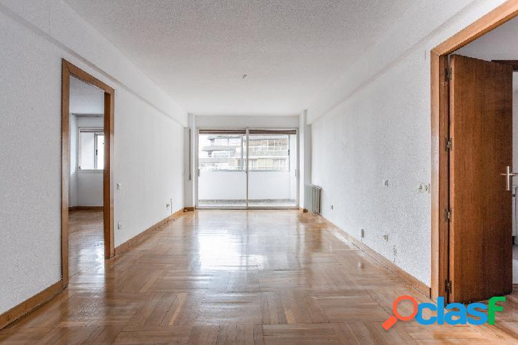 Magnífico piso en Avenida Constitución
