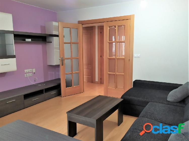 Se Alquila Piso reformado en Avd. San José. 2 Dormitorios.