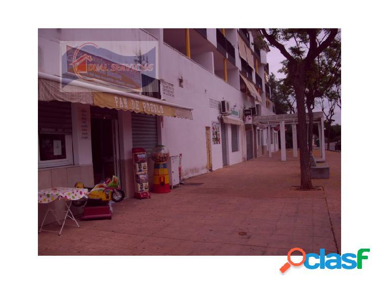 Se vende local comercial a pie de calle y ceca de playa
