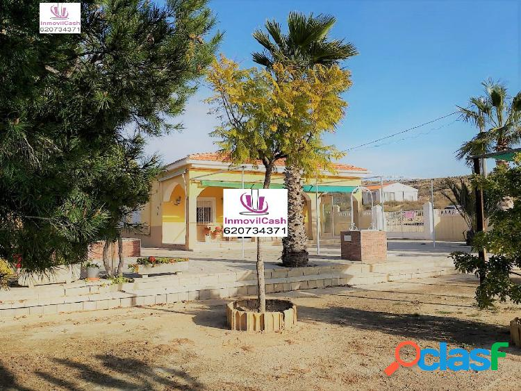INMOVILCASH VENDE Precioso Chalet en venta zona San Vicente