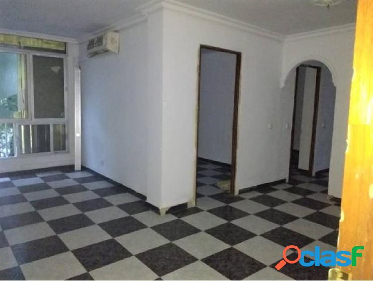 Luminoso piso de 3 dormitorios cerca de Los Arcos
