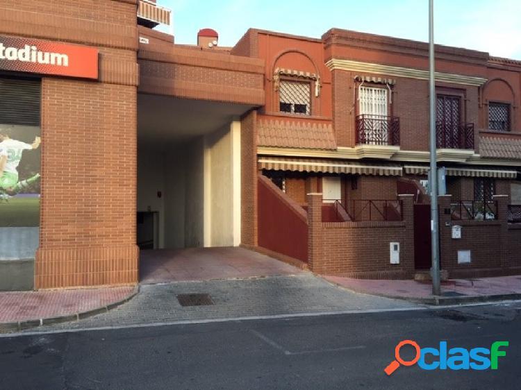 Plaza de garaje en Barrio Torrecardenas