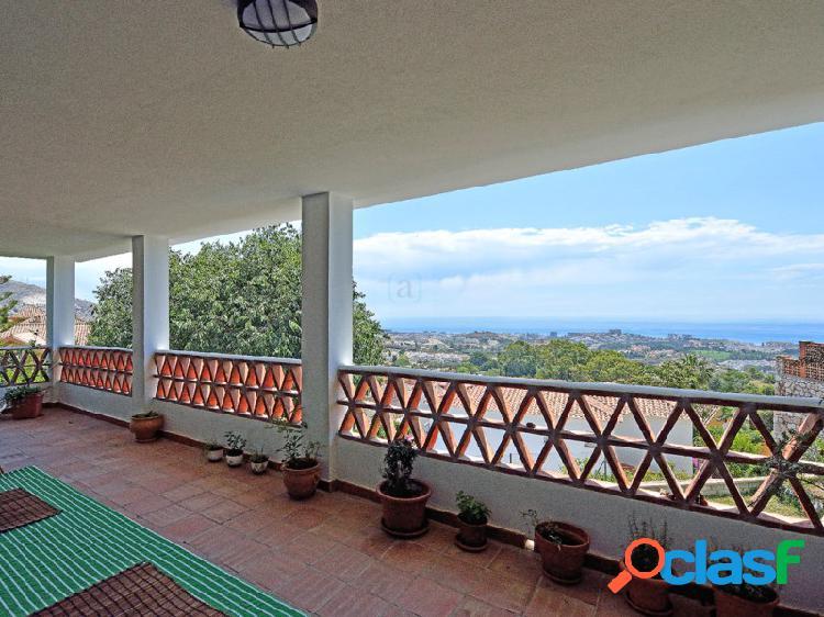 Villa independiente con vistas al mar ubicada en