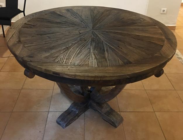 Mesa de madera maciza antigua