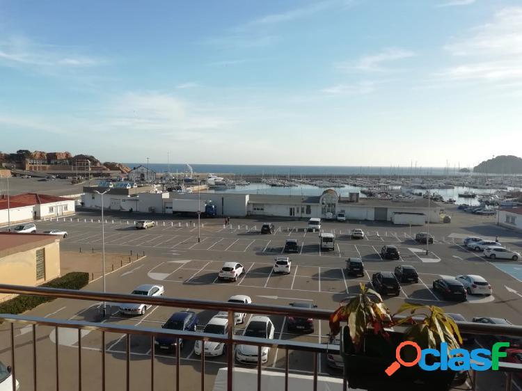 Piso con preciosas vistas al mar en el puerto de Sant Feliu