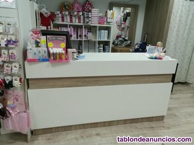 Se vende mobiliario para tienda junto o por separado