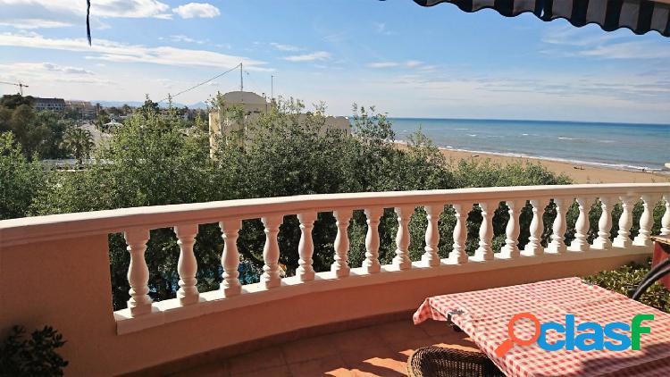 Apartamento con vistas al mar cerca del centro urbano