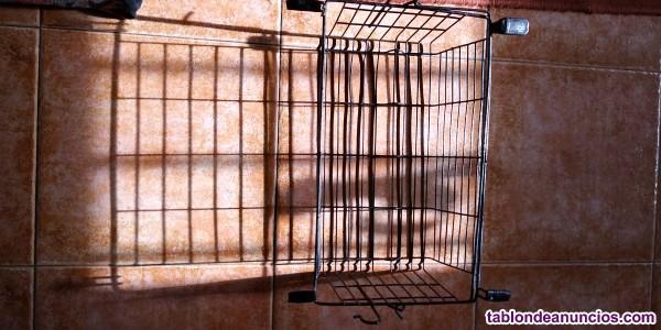 Se vende andador con asiento y cesta para transportar bolsas