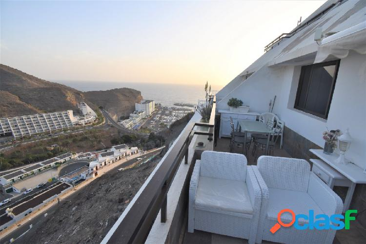 Atractivo apartamento con vistas al mar en venta en Puerto